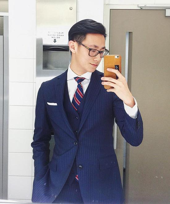 Vẻ ngoài đậm chất quý ông của chàng trai 22 tuổi khiến các khán giả nữ hò reo không ngớt. trên trang mạng xã hội lớn nhất Trung Quốc- Tieba, cư dân mạng cũng bắt đầu tìm hiểu và lùng sục thông tin về Hưng Long. Hàng loạt comment (bình luận) tích cực của giới trẻ Hoa ngữ về Hưng Long như: Không ngờ anh ấy lại đẹp trai đến thế; Giọng hát quá đỗi ngọt ngào; Anh ấy sẽ là một đại minh tinh;