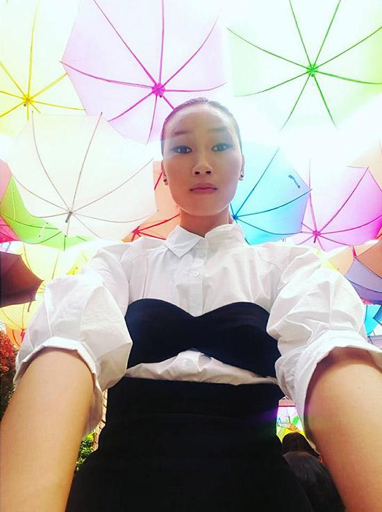ngoc-trinh-photoshop-qua-da-tr-3948-8587
