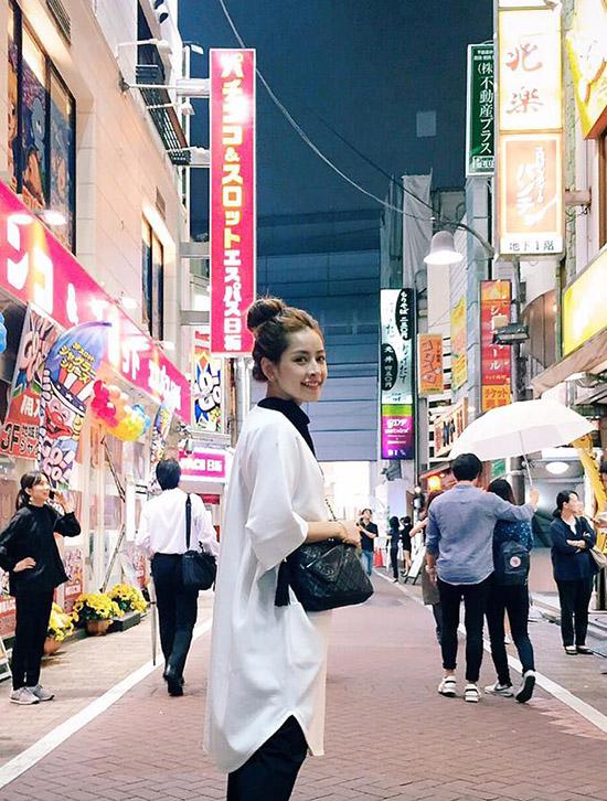 ngoc-trinh-photoshop-qua-da-tr-5026-9418