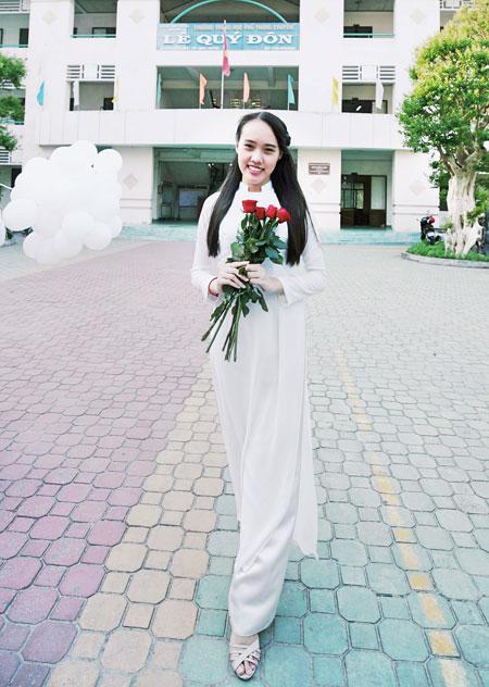 Nguyễn Lê Vân trở thành thủ khoa khối D của cả nước với điểm số 28,25.