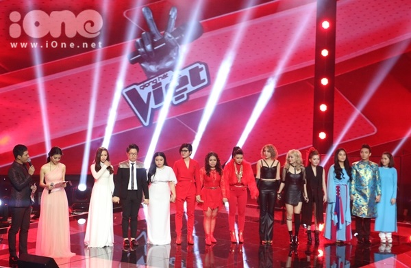 Tối 30/8, liveshow 7 cuộc thi The Voice 2015 lên sóng với phần thi của 12 thí sinh đến từ cả 4 đội. Trong đêm này, các huấn luyện viên Mỹ Tâm, Đàm Vĩnh Hưng, Thu Phương, Tuấn Hưng chọn cho học trò những ca khúc rất quen thuộc