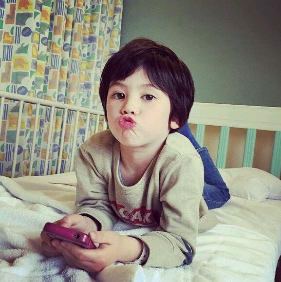 pretty-little-boy-13-8277-1441082943.jpg