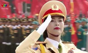 3 tháng tập diễu binh của nữ cảnh sát tương lai