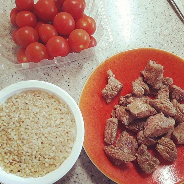 Chế độ ăn giàu protein và hạn chế tinh bột của