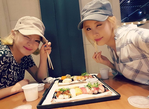 hyoyeon-seohyun-3502-1441249814.jpg