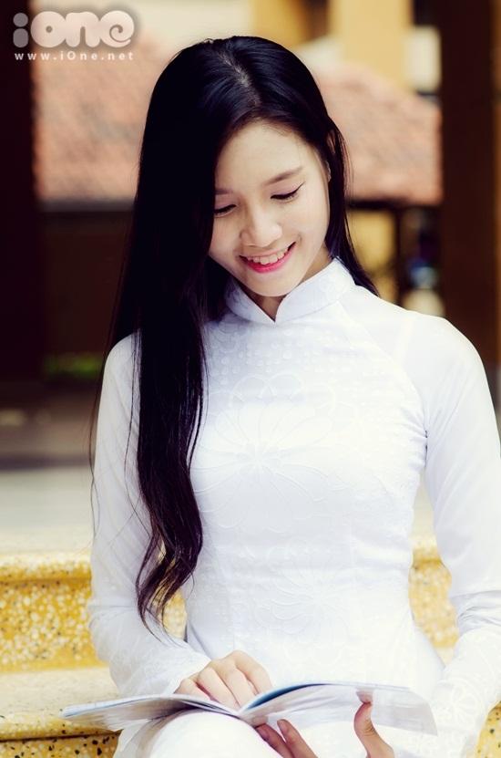 Nguyễn Ngọc Bảo Như (sinh năm 1998) hiện là học sinh lớp 11A3, trường THPT Tây Thạnh TP HCM.