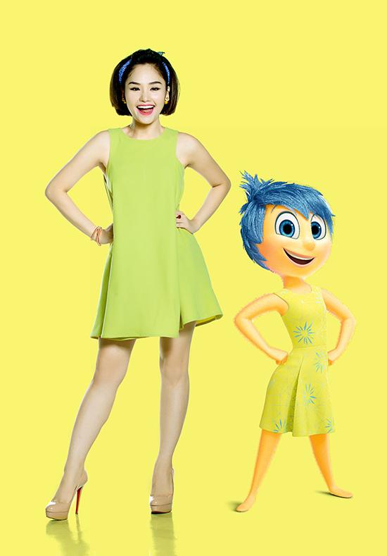 phiên bản lồng tiếng Việt với sự góp giọng của Miu Lê trong vai Joy  Nhóc Vui Vẻ; Miko Lan Trinh trong vai Disgust  Nàng Chảnh Chọe; giọng ca Võ Hạ Trâm và Hồ Cát Trắng trong phim hoạt hình ngắn LAVA rất được yêu quý tại các rạp chiếu.