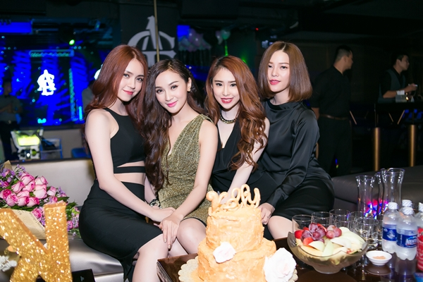 Sinh-nhat-hot-girl-Kelly-9-9822-14422015