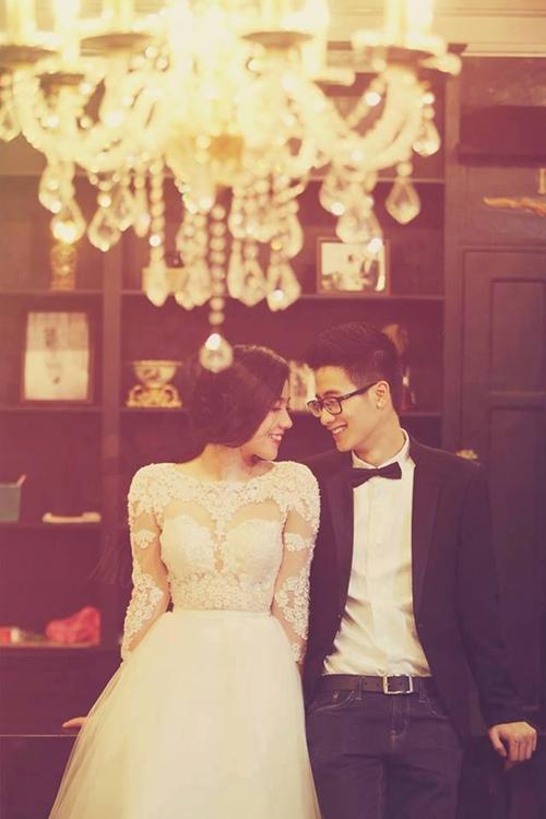 Cặp đôi này còn tung loạt ảnh cưới lãng mạn như thật, khiến fans đoán già đoán non sẽ có một đám cưới trong mơ.