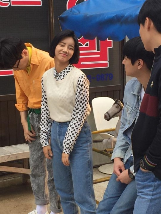 hyeri-in-80s-fashion-for-reply-4082-1238