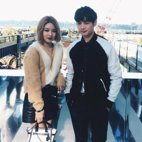 Soo Young, Sulli đọ sắc cùng Đường Yên ở New York