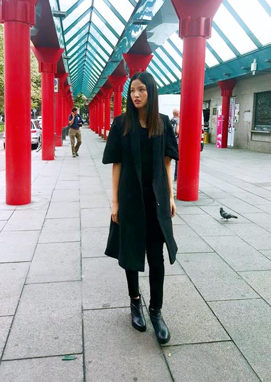 Kha Mỹ Vân sẽ hội ngộ với Chà Mi tại Milan ít ngày tới sau khi hoàn tất các buổi chụp hình tại Paris.