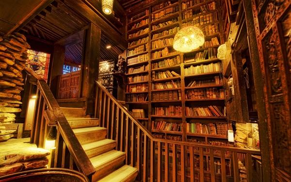 Những cuốn sách cổ quý giá được lưu trữ hàng trăm năm qua tại thư viện này