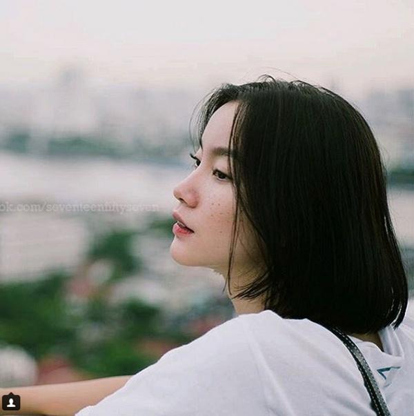 Khuôn mặt tàn nhang cũng khiến chị trở nên đặc biệt so với quy chuẩn về người mẫu ở châu Á.