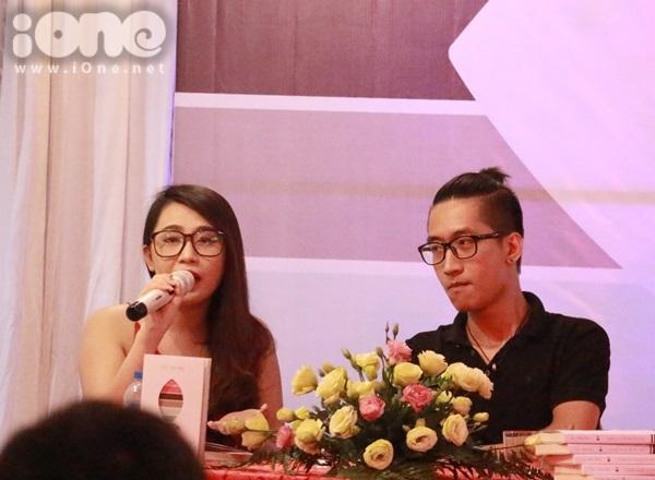 Chiều ngày 20/9, nhà văn trẻ Gào và Minh Nhật tổ chức buổi gặp gỡ fan, ra mắt cuốn sách mới cùng in chung mang tên Chúng ta rồi sẽ ổn thôi.