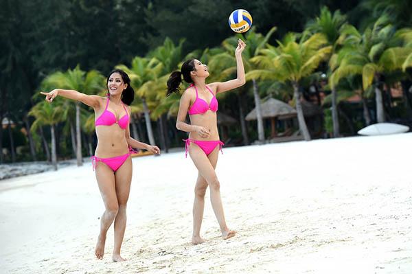 Trong số 45 thí sinh có mặt tại vòng chung kết Hoa hậu Hoàn vũ Việt Nam 2015, có hai thí sinh từng là vận động viên bóng chuyền thi đấu chuyên nghiệp là Nguyễn Thị Loan (337) và Nguyễn Thị Thành (214).