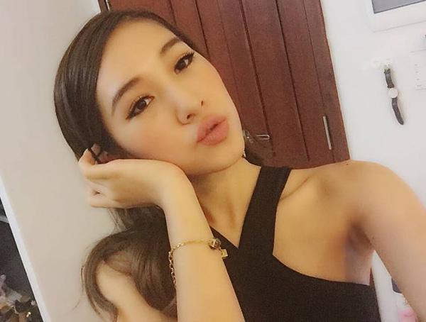 ngoc-trinh-chan-xau-tu-linh-di-3972-5621