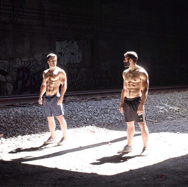 Cùng đam mê bộ môn thể hình, nên cả Justin và Nick đều sở hữu