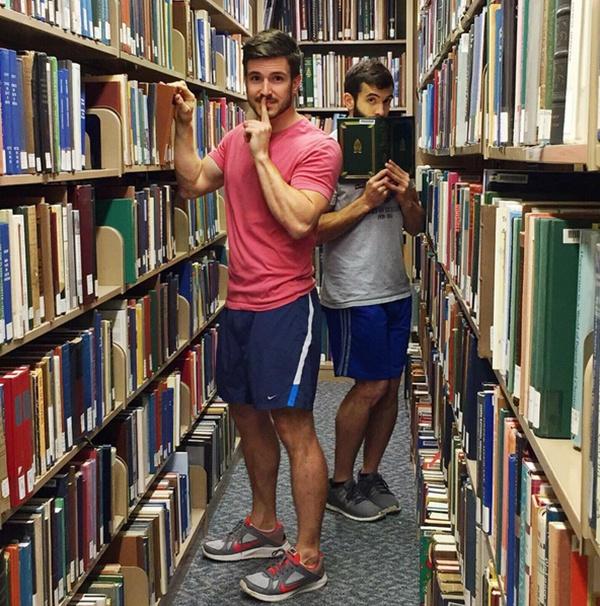 Cặp đôi Justin Moore (trái) và Nick Grant