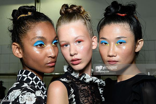 Ngay sau Milan Fashion Week, Kha Mỹ Vân sẽ tiếp tục casting và làm việc tại Paris cùng với Crystal Models Agency và Slides Models Agency. Hiện tại, bên cạnh lịch casting liên tục tại Milan và Paris, Kha Mỹ Vân còn khá bận với những buổi chụp ảnh cho các chiến dịch quảng cáo như Beverly Hills Polo Club tại Milan và các tạp chí thời trang lớn.
