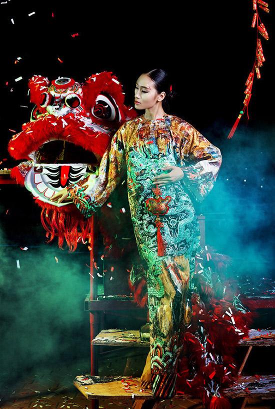 Photo: Luciola Nguyễn (Nguyễn Dung) Fashion: Thế Huy  Hải Long Make up: Phi Angel Stylist: Mun Nguyễn