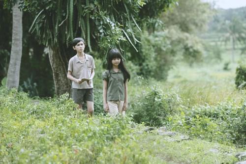 Bạn sẽ tìm thấy một trời tuổi thơ của mình trong 'Hoa vàng trên cỏ xanh'.