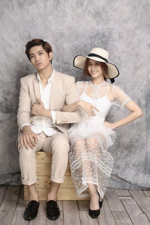 Vợ chồng Tim - Trương Quỳnh Anh hạnh phúc như thuở mới yêu.