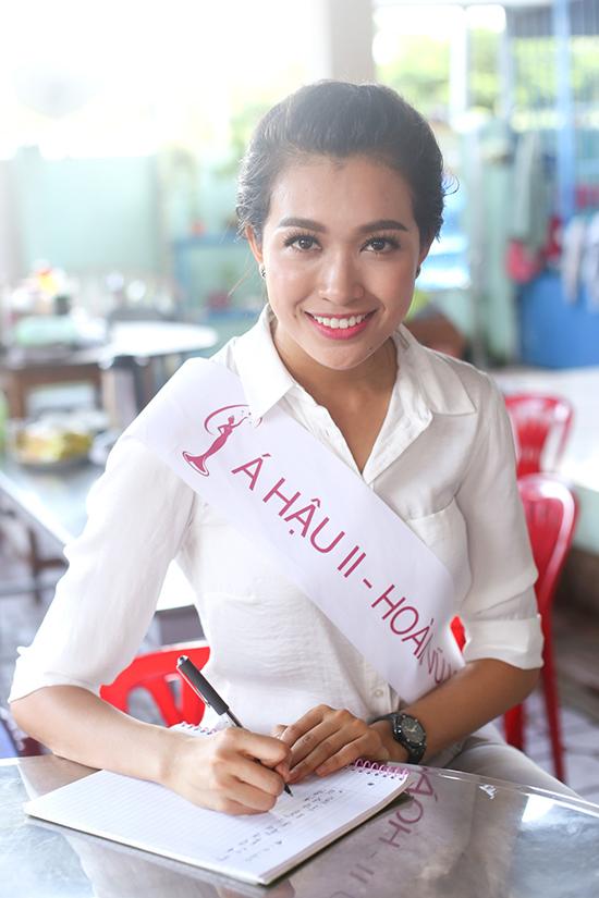 hoa-hau-pham-huong-4-7151-1444030355.jpg