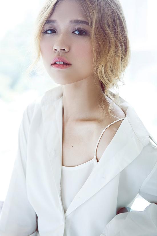 Photo: Luciola Nguyễn (Nguyễn Dung) Stylist: Thiên Thanh Make Up: Donald Nguyen