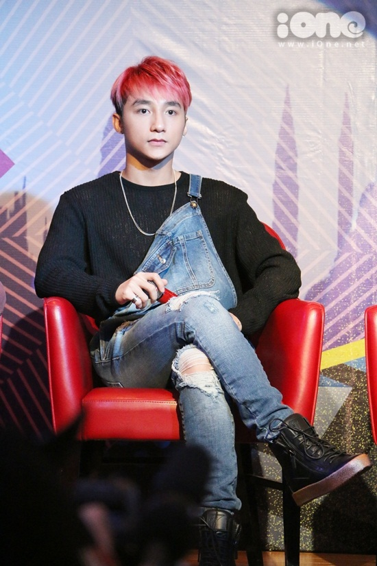 son-tung-ho-hao-fan-bau-chon-de-di-tiep-tai-mtv-ema-2015-6
