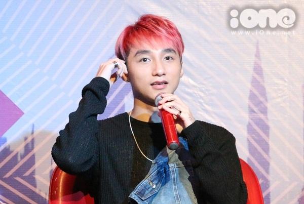 son-tung-ho-hao-fan-bau-chon-de-di-tiep-tai-mtv-ema-2015-4