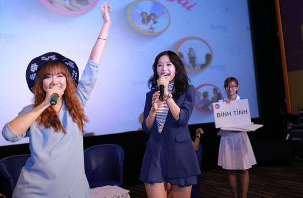 Tại sự kiện lần này, Hari Won cũng trổ tài ca hát với ca khúc