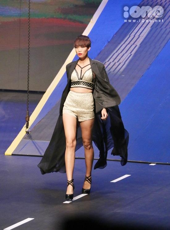 hinh-anh-dem-chung-ket-vietnams-next-top-model-2015-4