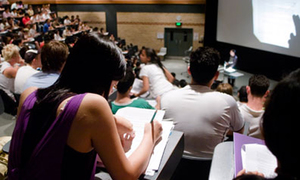 Du học sinh Việt ở Australia: 'Quay cóp bị đuổi học luôn'