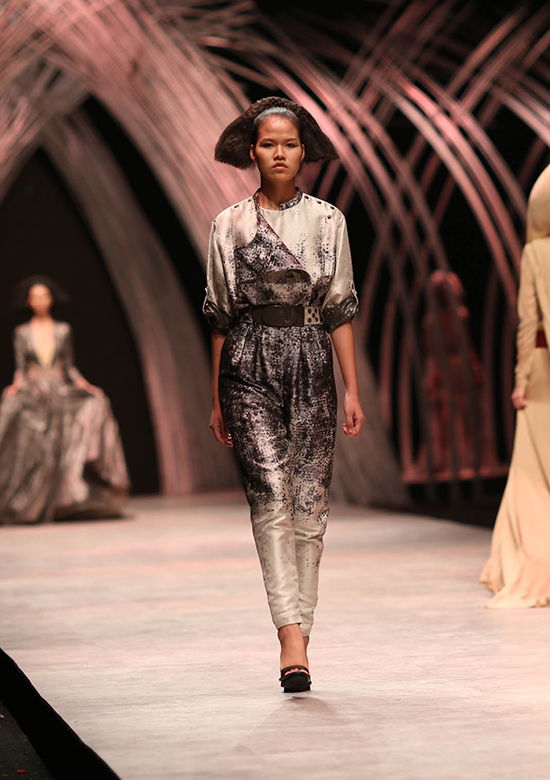 huong-ly-do-tai-catwalk-voi-cac-doi-thu-tai-next-top-model-4