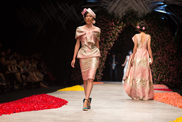 huong-ly-do-tai-catwalk-voi-cac-doi-thu-tai-next-top-model-9