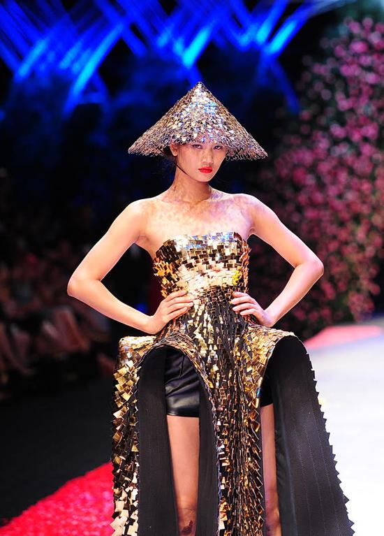 huong-ly-do-tai-catwalk-voi-cac-doi-thu-tai-next-top-model-1