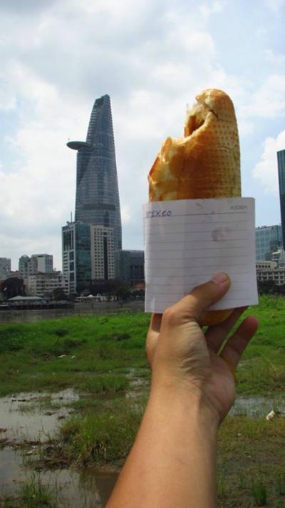 Bức ảnh so sánh tòa Bitexco với ổ bánh mỳ đạt giải 3 cuộc thi nhiếp ảnh.