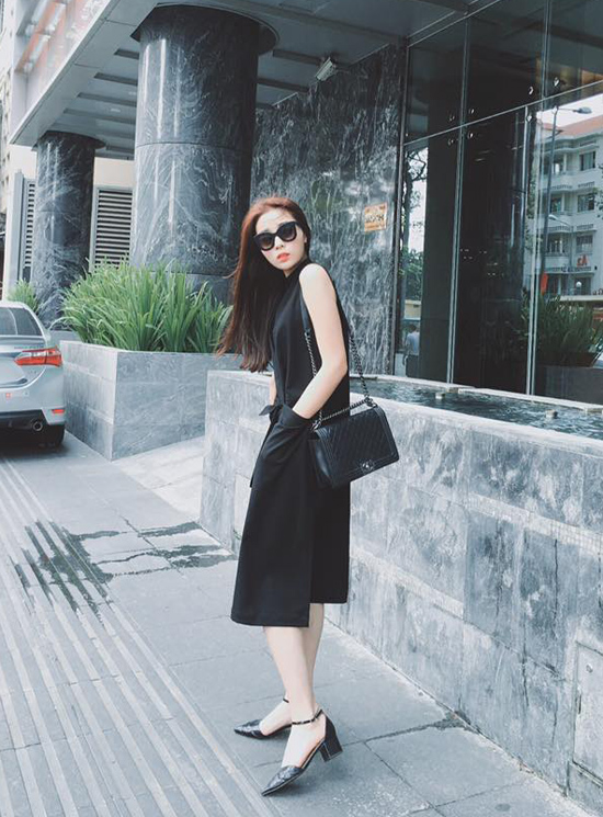 style-long-lanh-ngam-hoai-khong-chan-cua-sao-hot-girl-tuan-qua-1