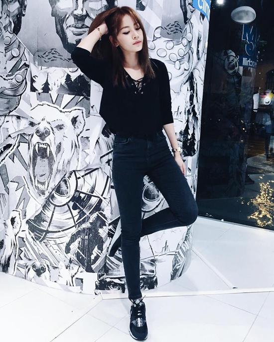 style-long-lanh-ngam-hoai-khong-chan-cua-sao-hot-girl-tuan-qua-4