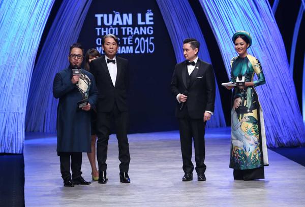 Đêm bế mạc cóChủ tịch của Hiệp hội Thời trang Cao cấp châu Á và FIDé Fashion Weeks, Tiến sĩ Frank Cintamani