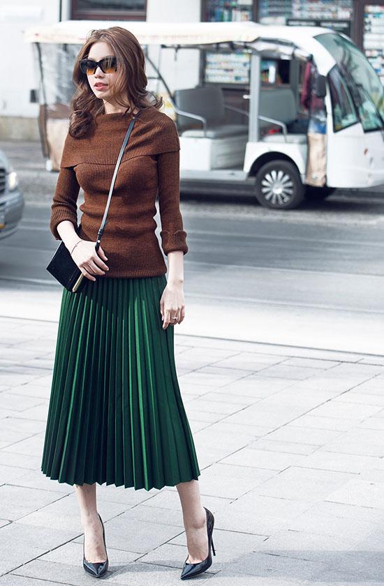 Chia sẻ về phong cách thời trang của bản thân Diễm Trang cho biết: Tôi yêu thích sự nhẹ nhàng, thanh lịch, trang phục casual nhưng vẫn phải toát lên được tinh thần của bộ cánh mặc hôm đó. Mỗi lần ra đường tôi đều cảm thấy thiếu vòng tay, vòng cổ, bông tai và nhiều nhiều thứ khác. Tuy nhiên những lúc như vậy tôi lại nhớ đến câu nói của Coco Chanel Hãy bỏ lại một thứ gì đó, điều đó nhắc nhỏ tôi cần phải hạn chế tối đa sự rườm rà.