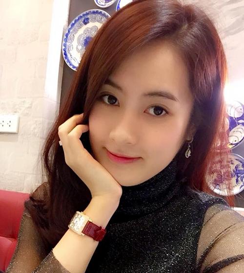 nu-sinh-truong-bao-de-thuong-chang-kem-hot-girl