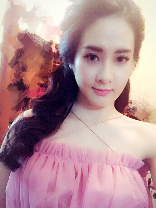 nu-sinh-truong-bao-de-thuong-chang-kem-hot-girl-2