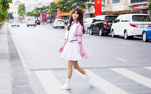 street-style-hop-hon-fan-cua-xi-ta-hot-girl-viet-tuan-qua-2