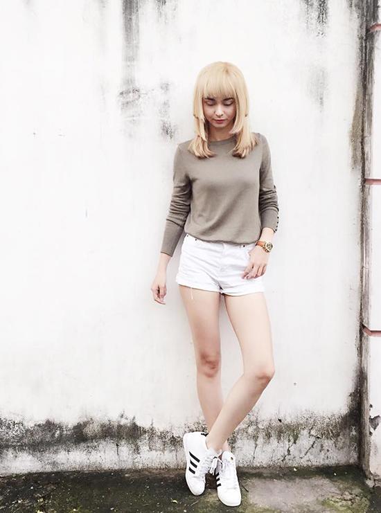 street-style-hop-hon-fan-cua-xi-ta-hot-girl-viet-tuan-qua