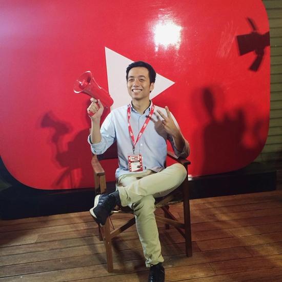 dan-hot-teen-hoi-ngo-thi-nhau-selfie-tai-su-kien-cua-youtube-3