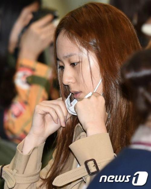 dan-than-tuong-tai-san-bay-chu-5611-8359