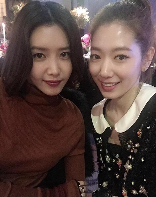 sao-han-30-10-nana-khoe-dui-san-chac-taetiseo-mac-dep-di-su-kien-6