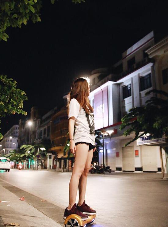 sao-viet-31-10-quynh-anh-shyn-sot-39-do-sau-scandal-chanh-choe-6